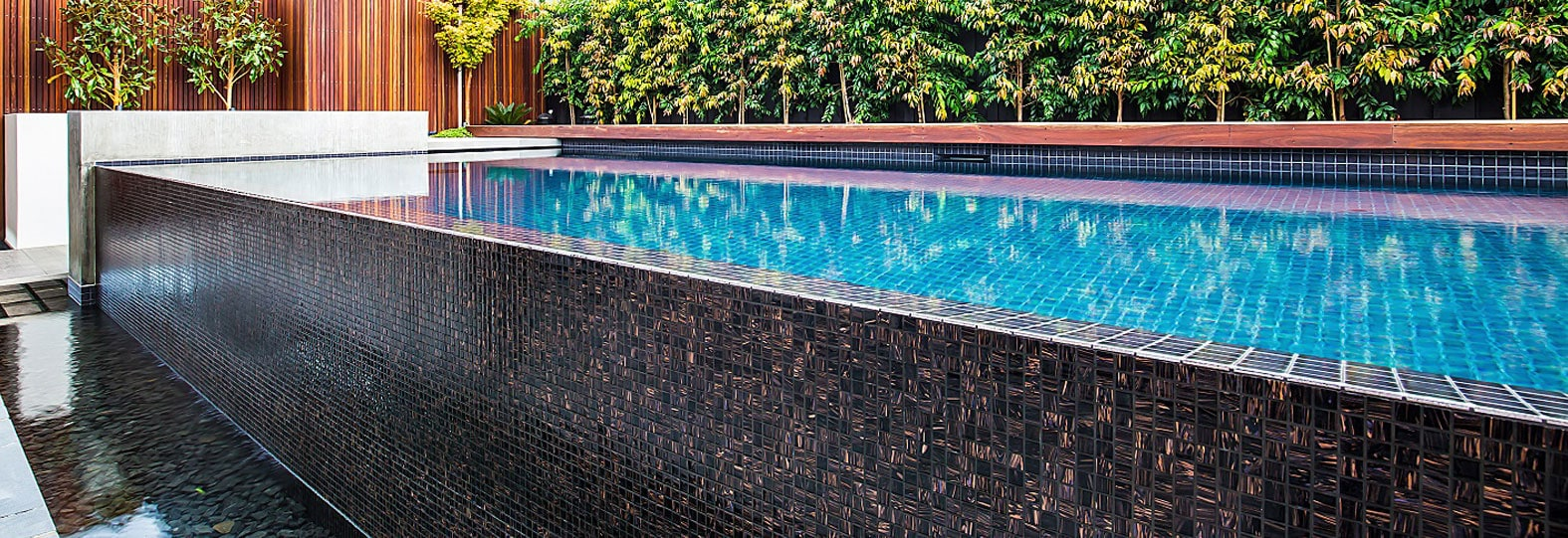 Choosing the Right Grout Colour for Glass Mosaic Pool Tiles ...